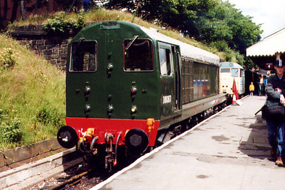 20087 poses at Bury Bolton Street on the 8th July 2000