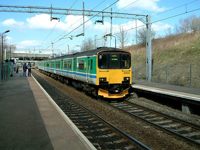 150002 draws to a stand at Tame Bridge Parkway on the 5th April 2006