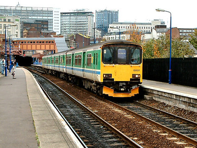150017 stands at Birmingham Moor Street on the 31st October 2005