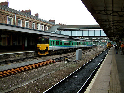 150003 awaits departure from Worcester Shrub Hill on the 14th June 2006