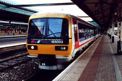 165003 at Reading on the 30th July 2001