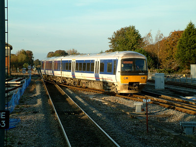 165016 makes use of the cross over at Princes Risborough on the 4th November 2006
