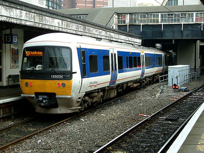 165034 awaits departure for Princes Risborough at London Paddington on the 20th December 2005