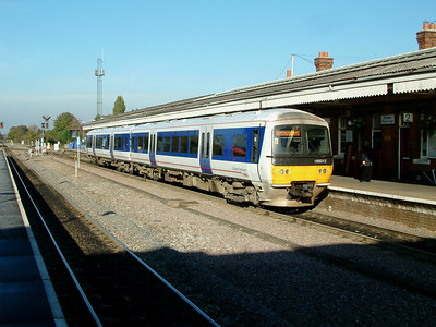 165012 rests at Princes Risborough on the 4th November 2006