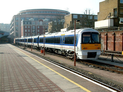 168005 at London Marylebone on the 22nd March 2003