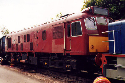 25035 at Pitsford on the 11th June 2000
