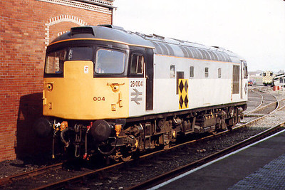 26004 at Bo'ness on the 18th April 1999