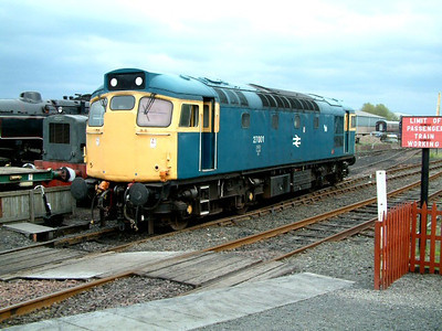 27001 at Bo'ness on the 4th May 2003