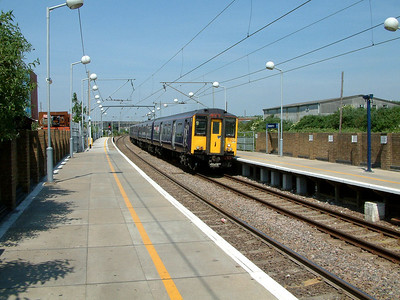 317508 arrives at Tottenham Hale on the 9th June 2006