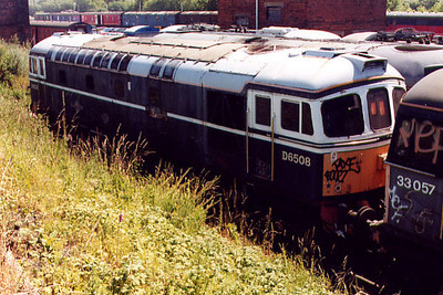 33008 at Barrow Hill on the 16th July 2000