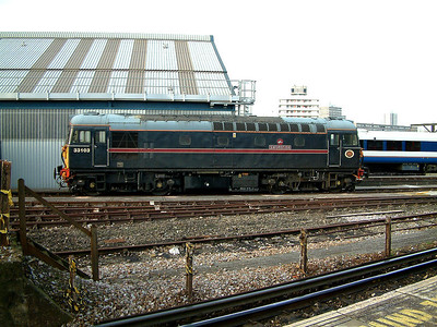 33103 stables at Clapham Yard on the 20th December 2005