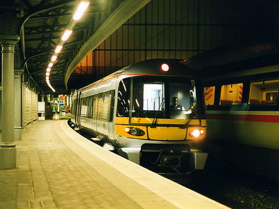 332012 waits for time at London Paddington on the 13th October 1998