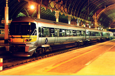 332004 at London Paddington on the 13th October 1998