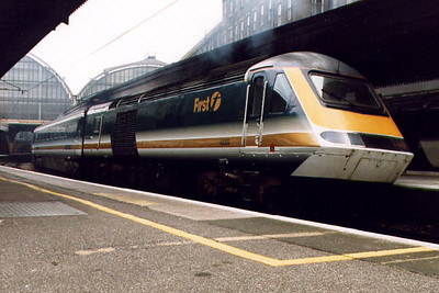 43009 at London Paddington in 11th June 1999