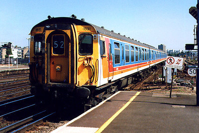 1531 arrives at Clapham Junction on the 3rd September 1999