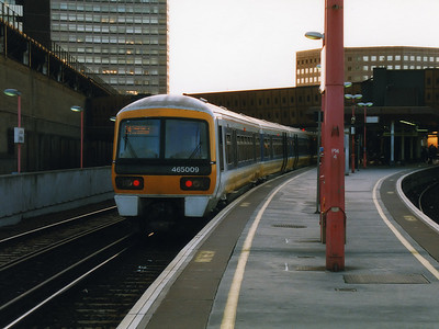 465009 calls for custom at London Bridge on the 6th May 1999