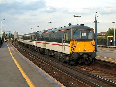 73201 rushes through Clapham Junction on the 2nd September 2004