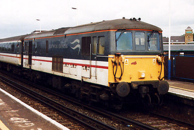 73213 at Clapham Junction