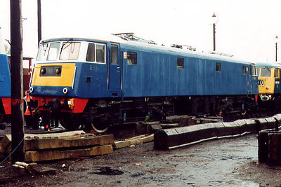 E3003 (81002) at Barrow Hill on the 5th October 2000
