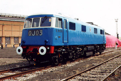 83012 at Old Oak Common TMD on the 5th August 2000