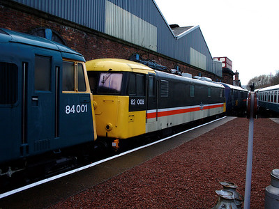 82008 stands in the platform at Barrow Hill on the 6th January 2007