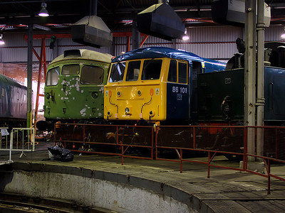 86101 and D5300 pose for the camera in Barrow Hill roundhouse on the 6th January 2007