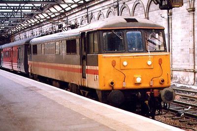 86224 at Edinburgh Waverley in April 1999