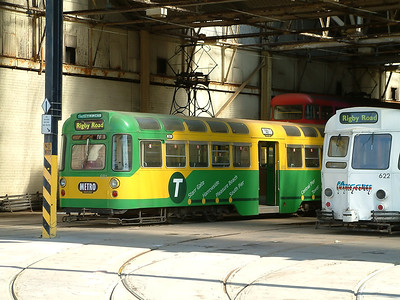 681 & 622 - Rigby Road Depot - 18th July 2004