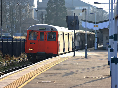 5094 awaits time at New Cross Gate on the 18th December 2007