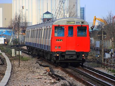 5095 leaving New Cross Gate on the 18th December 2007
