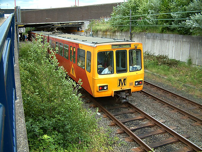 4037 slows for Heworth on the 19th July 2005