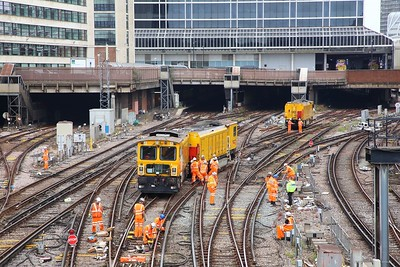 Derailed Network Rail grinder outside London Victoria on the 9th July 2019 im8383