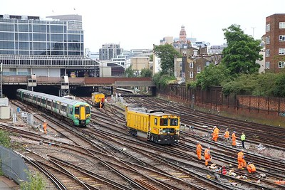 Derailed Network Rail grinder outside London Victoria on the 9th July 2019 im8367