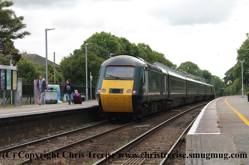 GWR HST Castle Set with GW03 Coaches Image