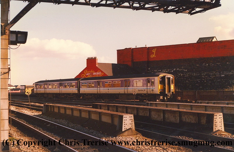 Class 150/2 2 Car DMU number 150 272 at Cardiff Central.<br /> 6th February 1988