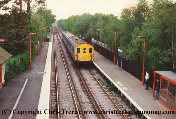 Class 205 3 Car DEMU number 205 012 arrives at Penshurst with the 1913 Tonbridge to Reigate.<br /> 23rd May 1994