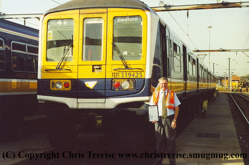 Class 319 4 Car EMU number 319 425 at Bedford Carriage Sidings with Neville Ankers.<br /> October 2001