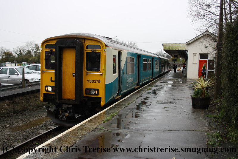 Class 150 2 Car Sprinter DMU number 150 279 at Liskeard with a service for Looe.<br /> 9th November 2009