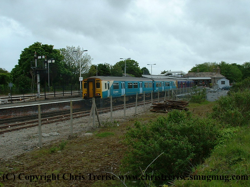 Class 150 2 Car Sprinter DMU number 150 280 leads 150 233 at St Erth with the 1741 St Erth to St Ives.<br /> 18th May 2009