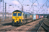 Class 66 Diesel Locomotive number 66 505 approaches Doncaster with a Freightliner working.<br /> 21st April 2001