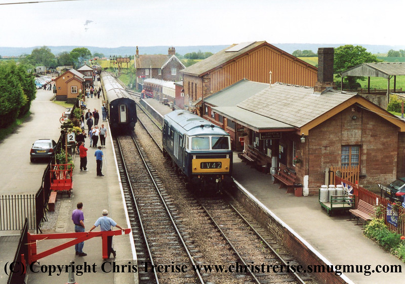 Class 35 Hymek at Bishops Lydeard