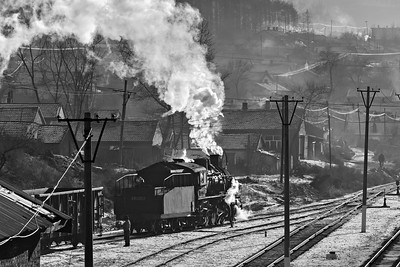 Shunting at Xifeng colliery BW
