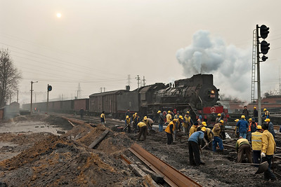 JS8030 passes trackworkers remodelling at Tianzhuang