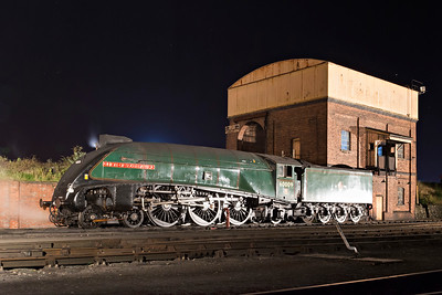 60009 quietly cools on the ash-coaling road