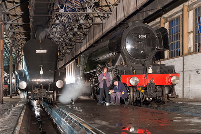 Tea break with 60103 and 60009 in the shed