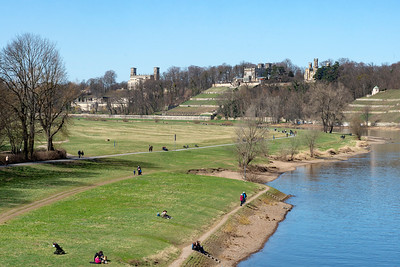 Lingnerschloss and park and Elbe from Blaues Wunder Bridge