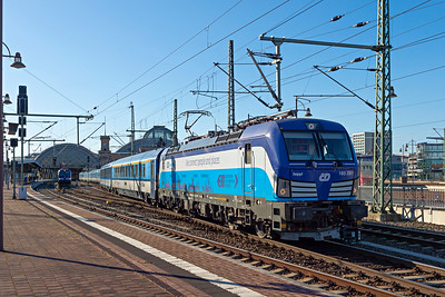 ELL Vectron 193 297 leaves Dresden for Prague