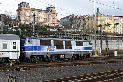 Polish PKP CLass 1150 032-7 leaves Prague for Warsaw
