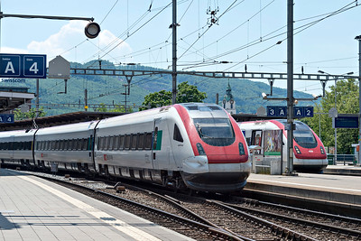 A Pair of RABDe 500 ICNs at Olten