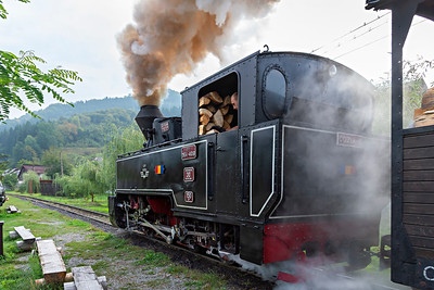 Resita 0-8-0T Cozia-1 CFF 764-408 has plenty of fuel with train#1 of the day